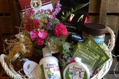 King-Arthur-Flour-Elmore-Mountain-Farm-High-Mowing-Gift-Basket